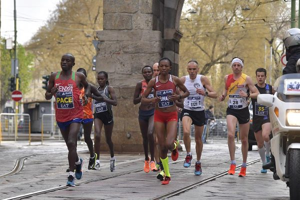 Foto  LaPresse/ Marco Alpozzi08/04/2018, MilanosportMilano Marathon EA7nella foto: Un momento della gara Foto  LaPresse/Marco AlpozziApril 08, 2018, MilanMilano Marathon EA7in the photo: a moment of marathon