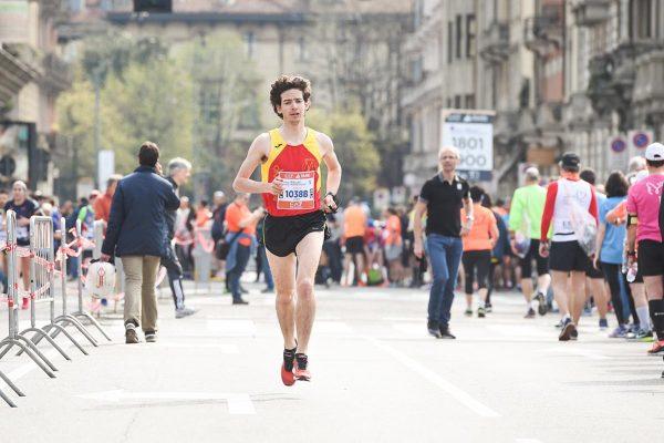 Foto LaPresse - Massimo Paolone08/04/2018 Milano (Italia)Sport Atletica LeggeraEA7 Emporio Armani Milano Marathon 2018 - 42 km (26,1 miglia)Nella foto: i cambi della staffettaPhoto LaPresse - Massimo Paolone08/04/2018 Milan (Italy) Sport AthleticsEA7 Emporio Armani Milano Marathon 2018 - 42 km (26,1 miles)In the pic:the change of the relay race