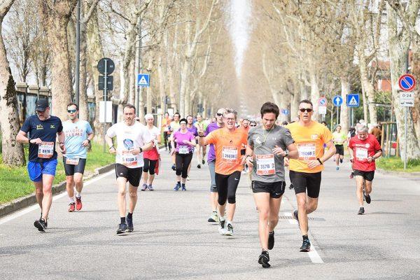 Foto LaPresse - Massimo Paolone08/04/2018 Milano (Italia)Sport Atletica LeggeraEA7 Emporio Armani Milano Marathon 2018 - 42 km (26,1 miglia)Nella foto: un momento della garaPhoto LaPresse - Massimo Paolone08/04/2018 Milan (Italy) Sport AthleticsEA7 Emporio Armani Milano Marathon 2018 - 42 km (26,1 miles)In the pic: a moment of the race
