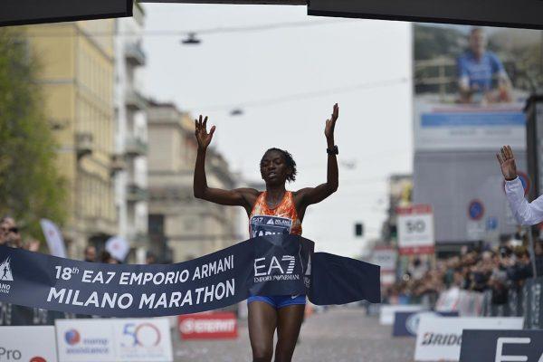 Prima Donna Maratona_Lucy KABUU