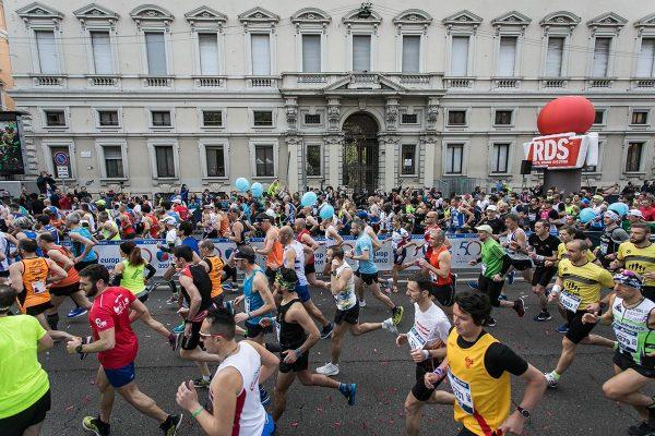Foto LaPresse - Stefano De Grandis08 Aprile 2018 - Milano (Italia)  EA7 Armani  Milano Marathon Sport Nella foto: la maratonaPhoto LaPresse - Stefano De GrandisAprile 08  , 2018 Milan  (Italy )  Sport EA7 Armani Milano Marathon In the pic: the Marathon