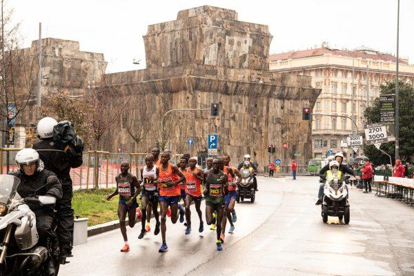Foto  LaPresse/ Marco Alpozzi7 Aprile 2019, MilanosportGenerali Milano Marathon 2019nella foto:   Un momento della maratona Foto  LaPresse/Marco AlpozziApril 07, 2019, MilanGenerali Milano Marathon 2019in the photo:  a moment of race